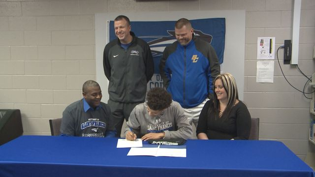 Blackhawk Christian's Mull signs with USF