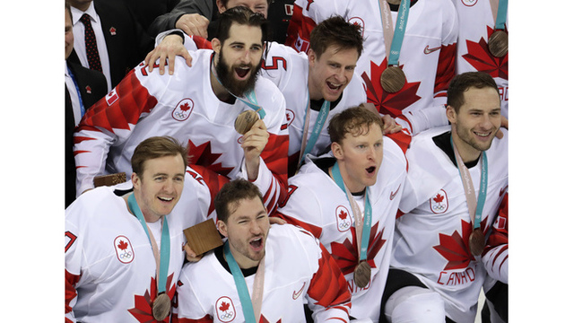 Canada takes Olympic bronze after beating Czech Republic 6-4