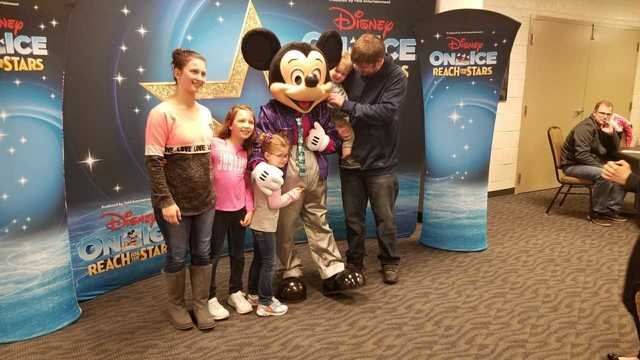 Disney on ice stars hold special meet and greet m4hsunfo