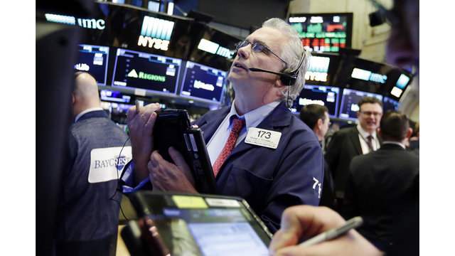 US stocks sharply higher; Dow up more than 400 points