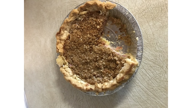 Champion pie goes for $170 at Allen County Fair auction