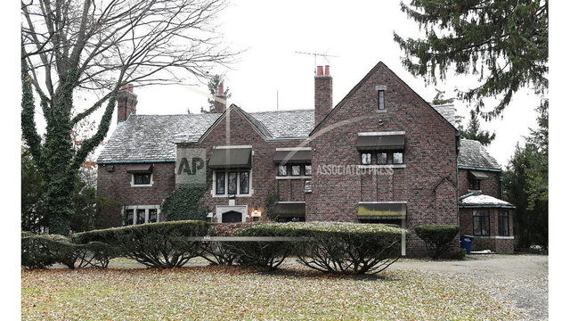 Queen of Soul's Detroit mansion sells for $300,000