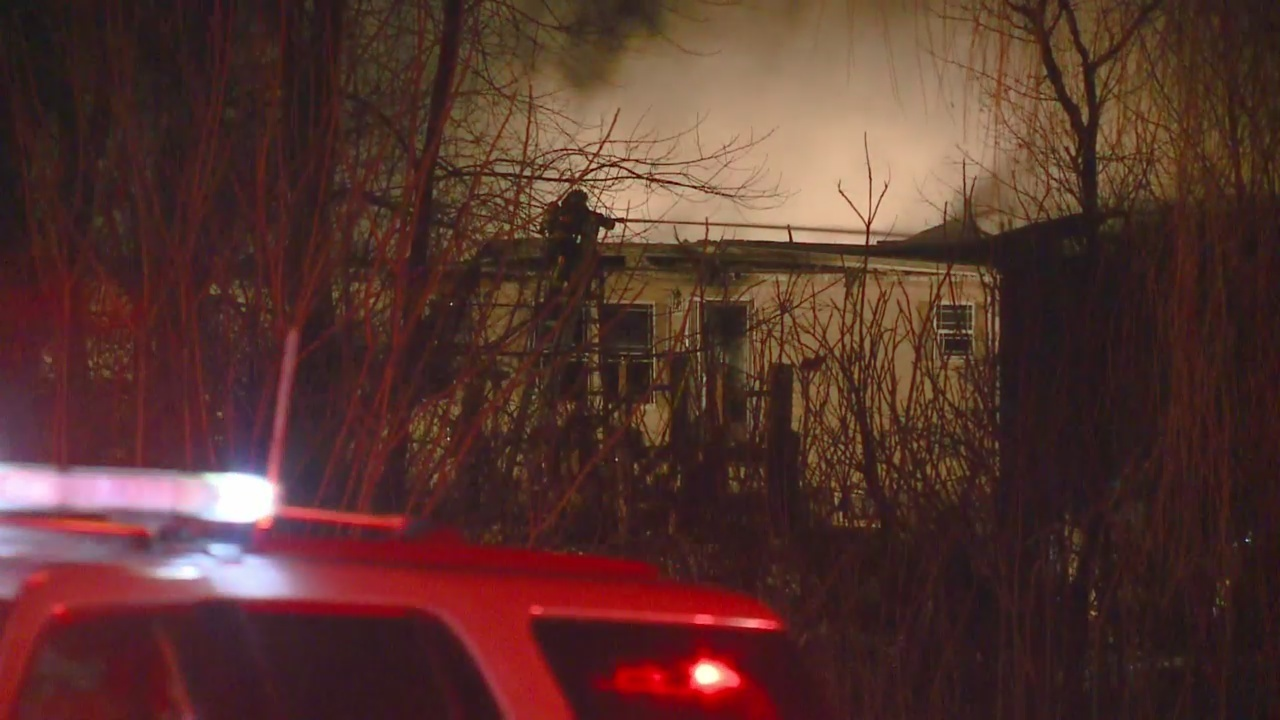 Family Of 6 Escapes Fire